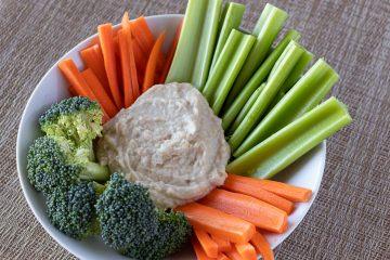 Artichoke dip with vegetables