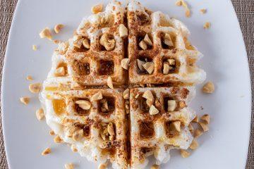 Peanut injeolmi waffle
